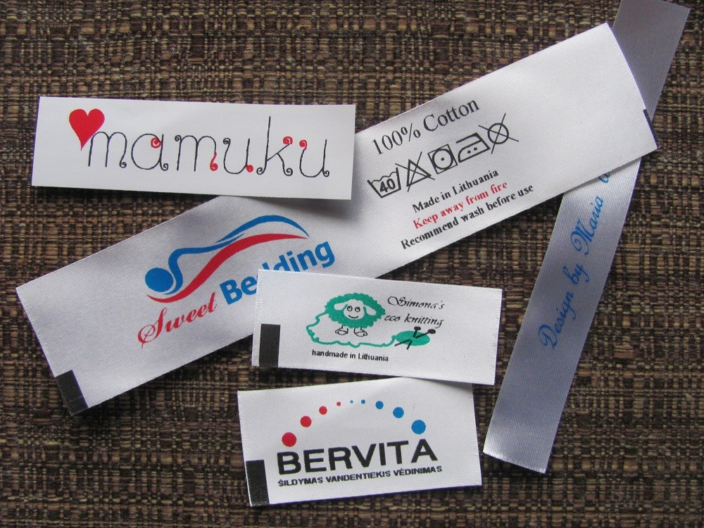 Spalvotos tekstilinės etiketės