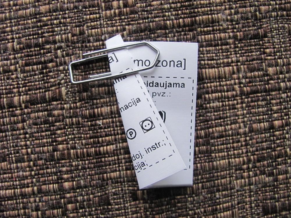 Dvipusės tekstilinės etiketės
